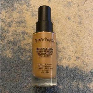 Smashbox Studio Skin 15hr Hydrating Foundation